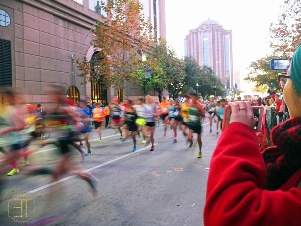 How to watch the chevron houston marathon starting point main & congress.