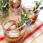 An easy whiskey holiday cocktail that can serve a crowd. Made with @mytexaslife H-E-B's Maple Crème Soda, lemon, rosemary, and whiskey.  Great for Holiday entertaining. #AD // www.ElleTalk.com