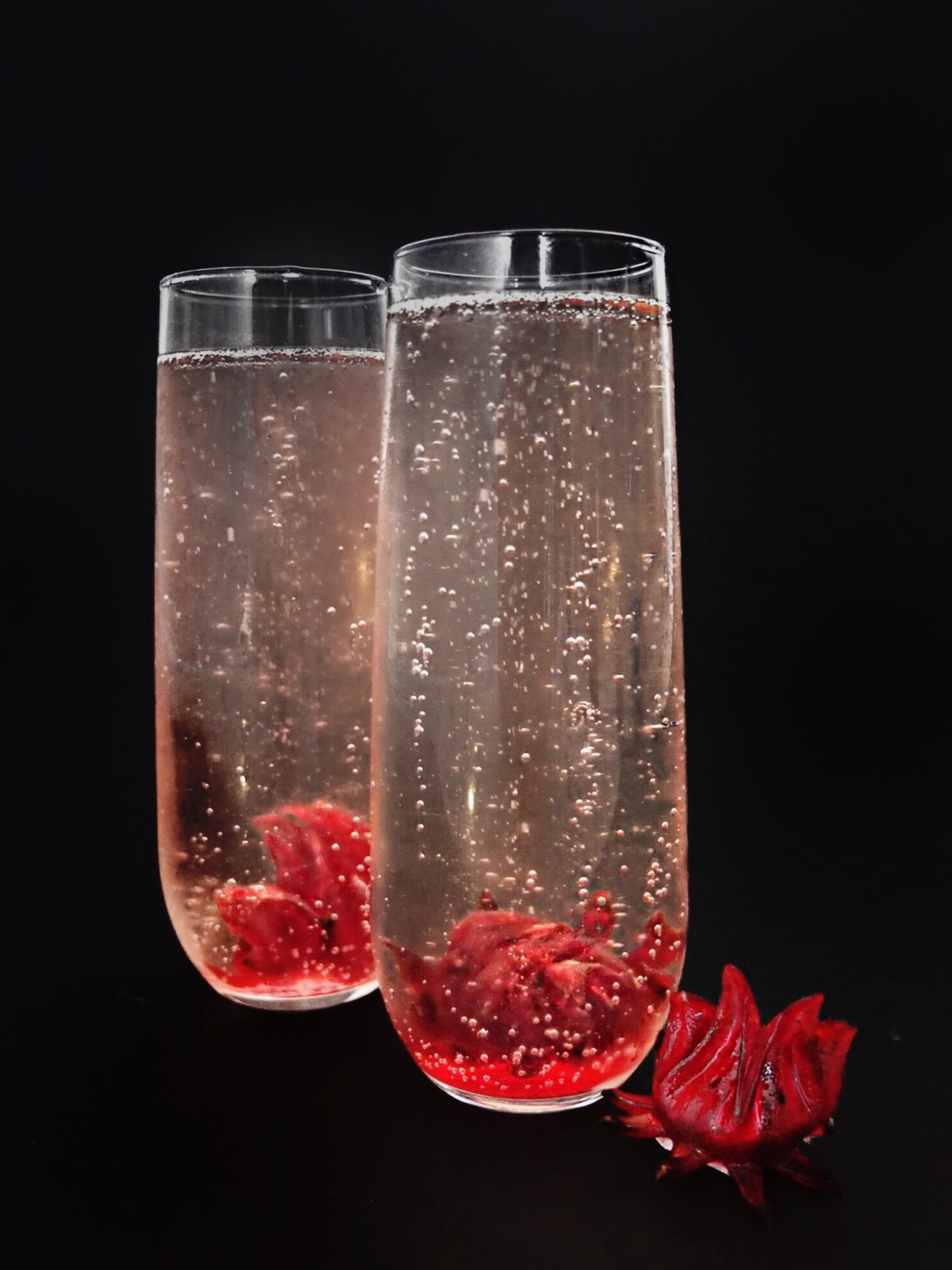 Wildflower champagne cocktail elle talk an easy new years eve champagne cocktail for ringing in the new year uses hibiscus izmirmasajfo