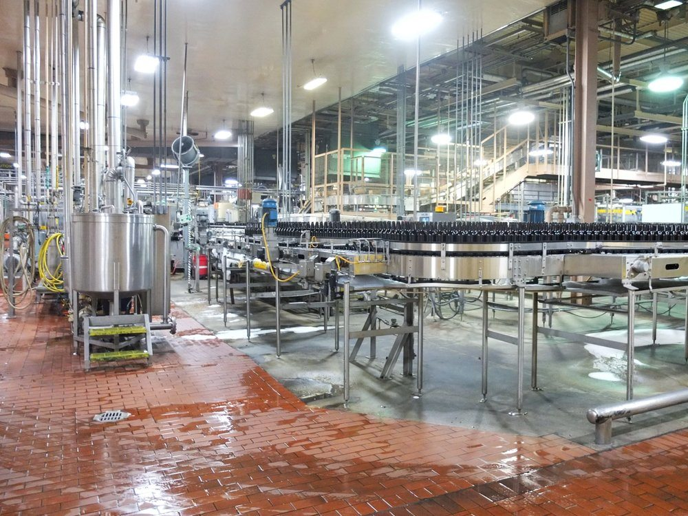 A look into a tour of the Anheuser-Busch brewery in Houston, Texas. Apart of things to do in Houston, Texas. // www.ElleTalk.com