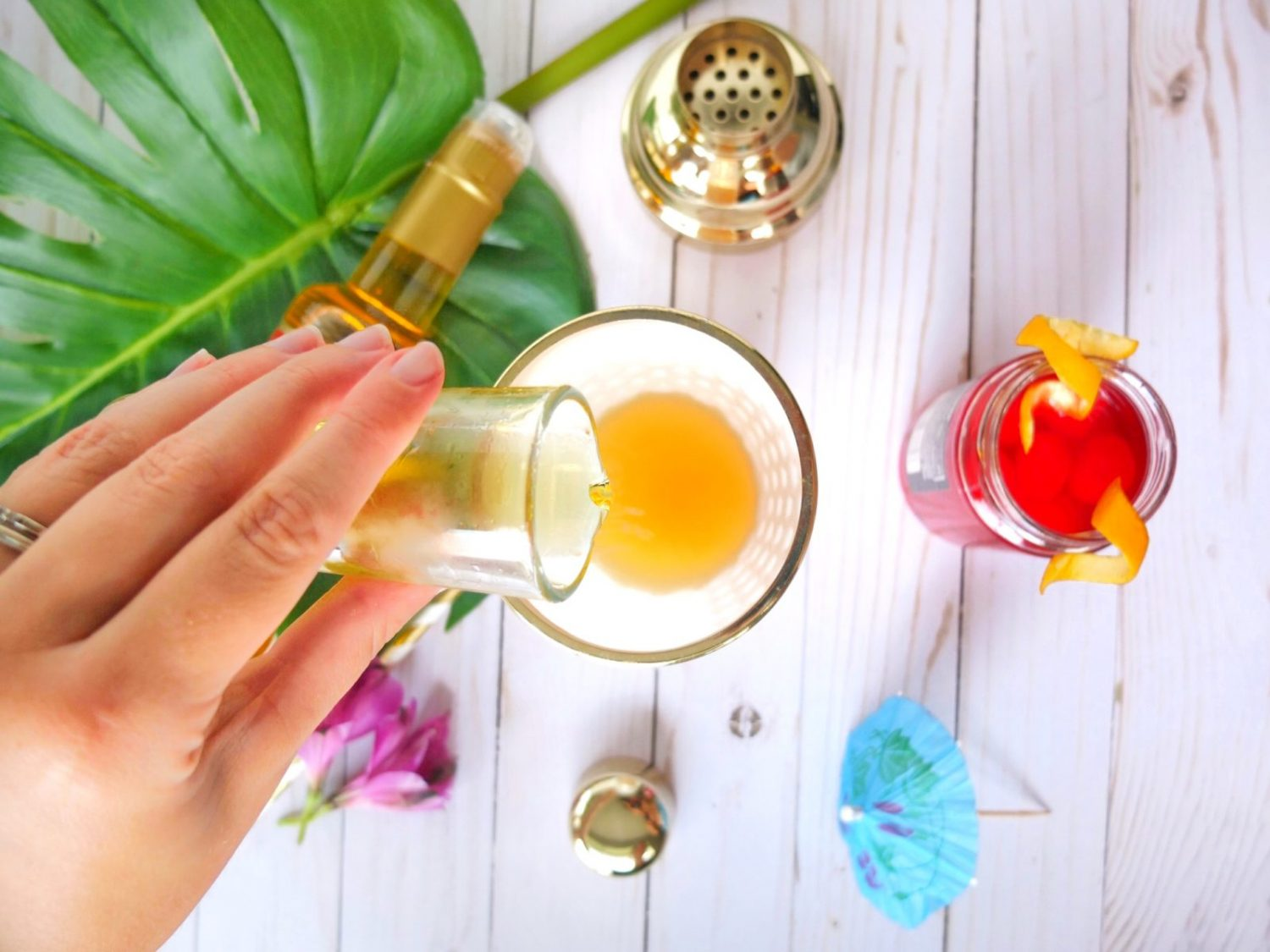Easy summer Torani Syrup cocktail recipe for a Passion on the Beach. A Passionfruit version of a Sex on The Beach cocktail using Torani Passion Fruit Syrup. #ad #MyToraniSummer // www.elletalk.com