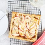 Savory apple tart topped with caramelized onions and Tillamook's Extra Sharp White Cheddar Slices from Costco. This is the perfect Thanksgiving appetizer or appetizer for a fall dinner party! #ElleTalk #ad #TillamookCheese #Thanksgiving #appetizer